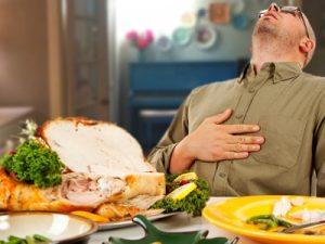 Bệnh huyết áp thấp không nên ăn no quá