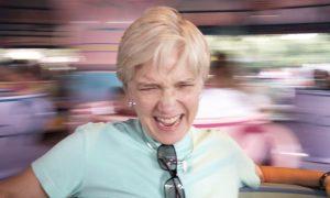 Hoa mát, chóng mặt là một trong những triệu chứng của rối loạn tiền đình