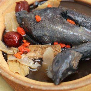 Nhung hươu hầm thịt gà là món ăn cực kỳ bổ dưỡng