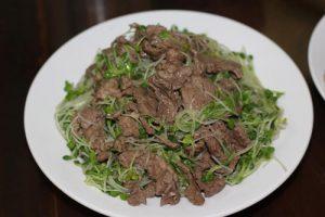 Rau mầm xào thịt bò rất ngon mà bổ dưỡng