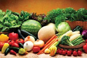 Rối loạn tiền đình nên ăn gì: bổ sung vitamin và khoáng chất có trong rau xanh và hoa quả